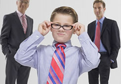 Если начальник младше вас ...